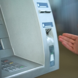 Что делать, если банкомат Сбербанка съел карту